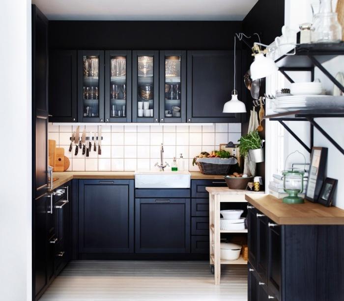 Удобная угловая кухня.
