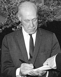 Дрю Пирсон (фото:Cecil W. Stoughton/wikipedia.org)