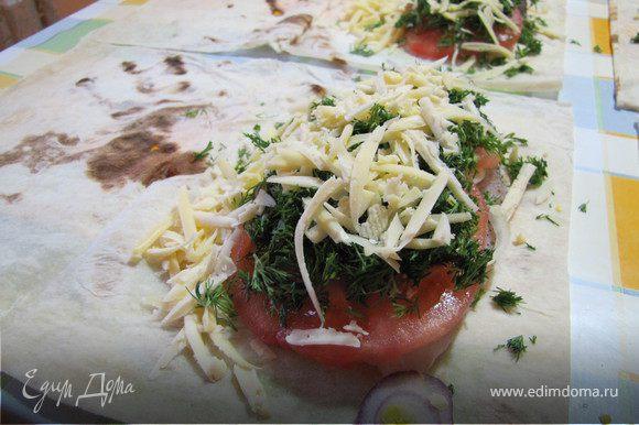 Выложить слой укропа, посыпать тертым сыром.