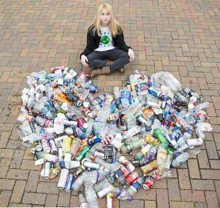Этими фотографиями Надя делится в своём Инстаграме в мире, герой, люди, мусор, окружающая среда, уборка, чистота