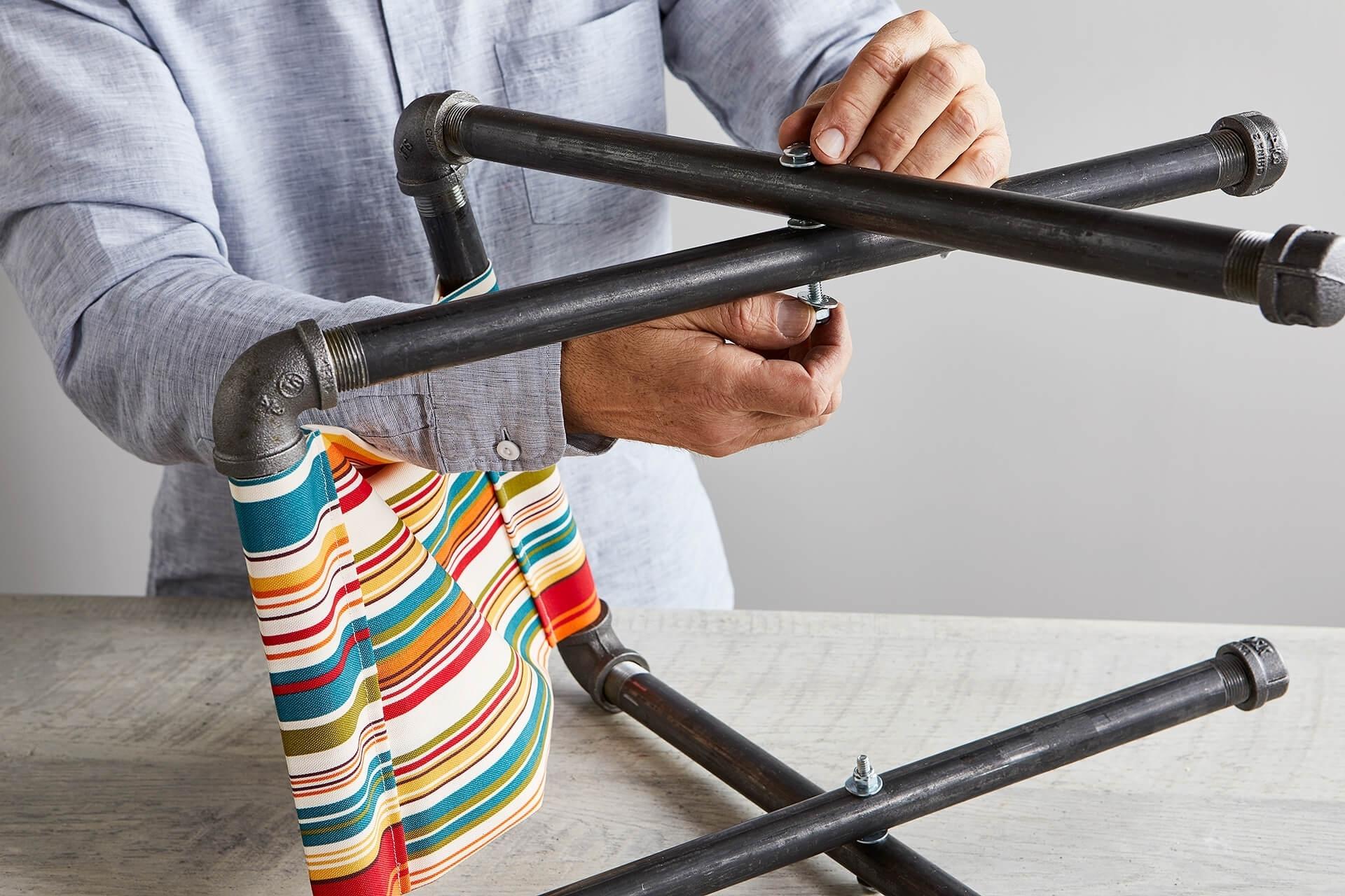 Мастер-класс: раскладной табурет из ненужных водопроводных труб для дома и дачи,мастер-класс