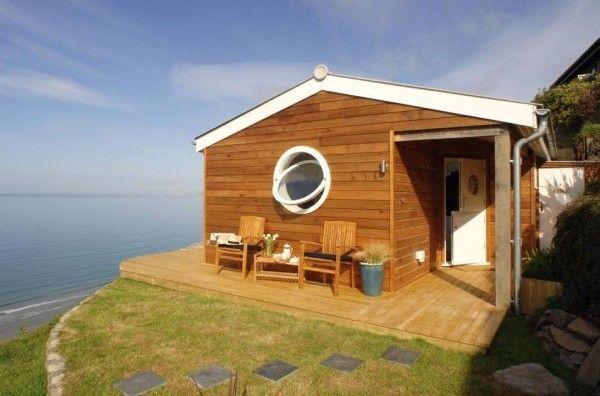 Маленький уютный домик у мор…