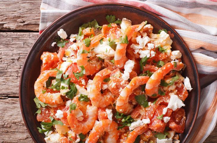 Креветки в томатном соусе с …