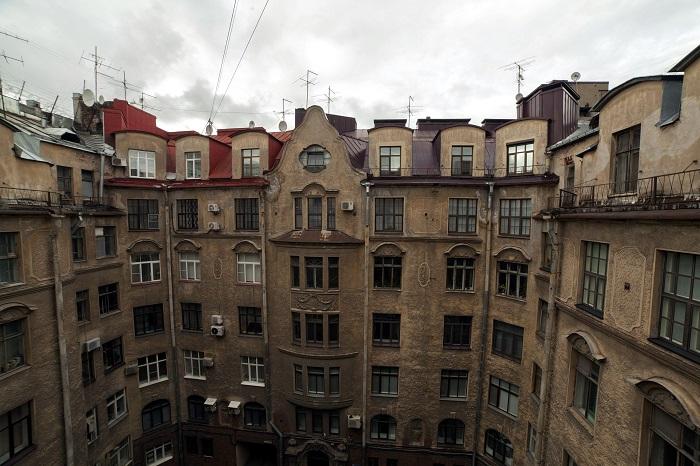 8 самых интересных старинных квартир Петербурга