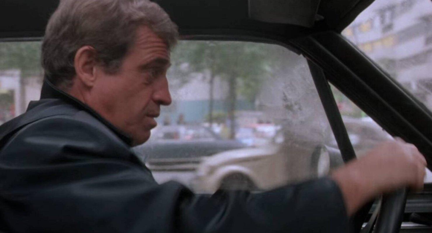 Памяти Жана-Поля Бельмондо: Ford Mustang из фильма «Le Marginal» Автомобили