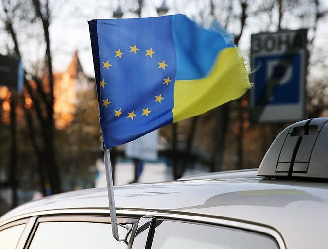 Украинцы выдают себя за геев и коммунистов ради убежища в ЕС