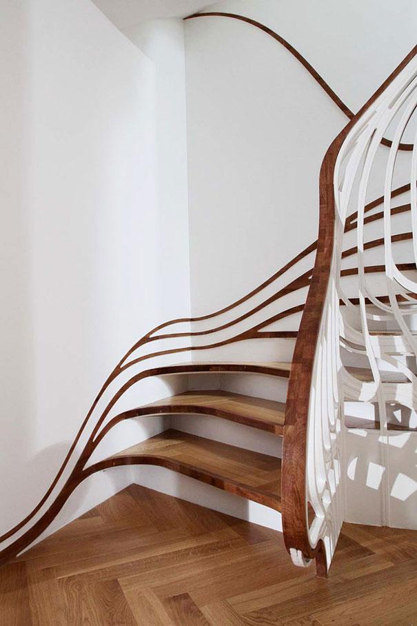 лестницы в коттеджах фото
