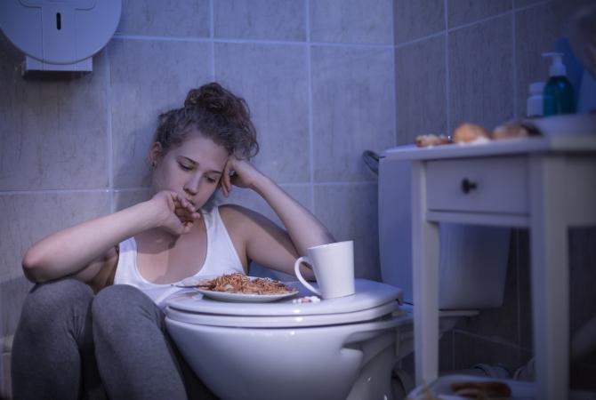 Почему сразу после еды возникает понос, и как с ним бороться?