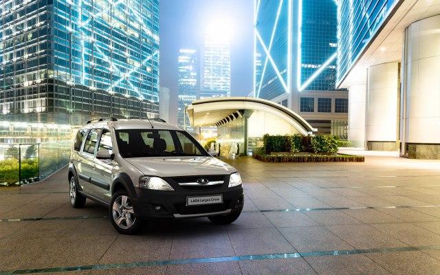 Российский фургон Lada Largus готов к выпуску после обновления