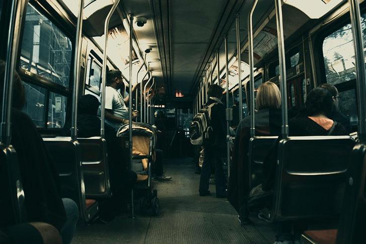 Забавная нелепость в автобусе