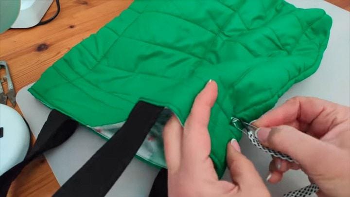 Вместительная и полезная сумка из старой куртки одежда,переделки,рукоделие,своими руками,сделай сам