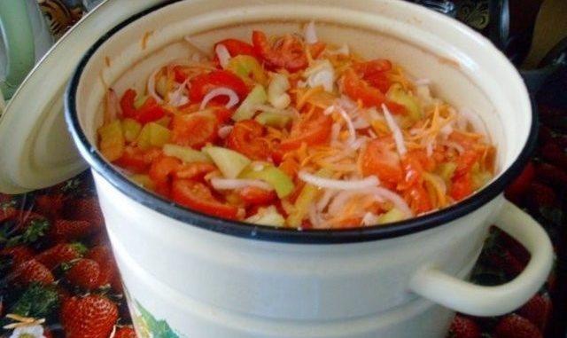 Необыкновенно вкусный салат на зиму «Остряк». Будете в восторге!