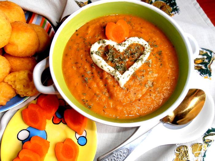 Солнечный супчик из морковки. Съедобные цветы и идеи украшения блюд