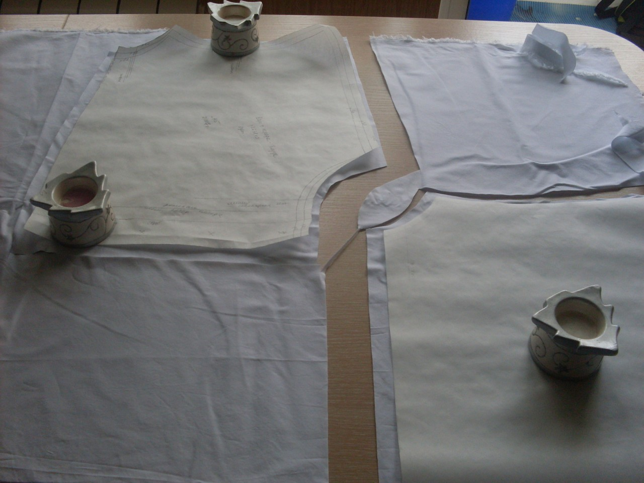 Белая блузка с рукавами из ш…