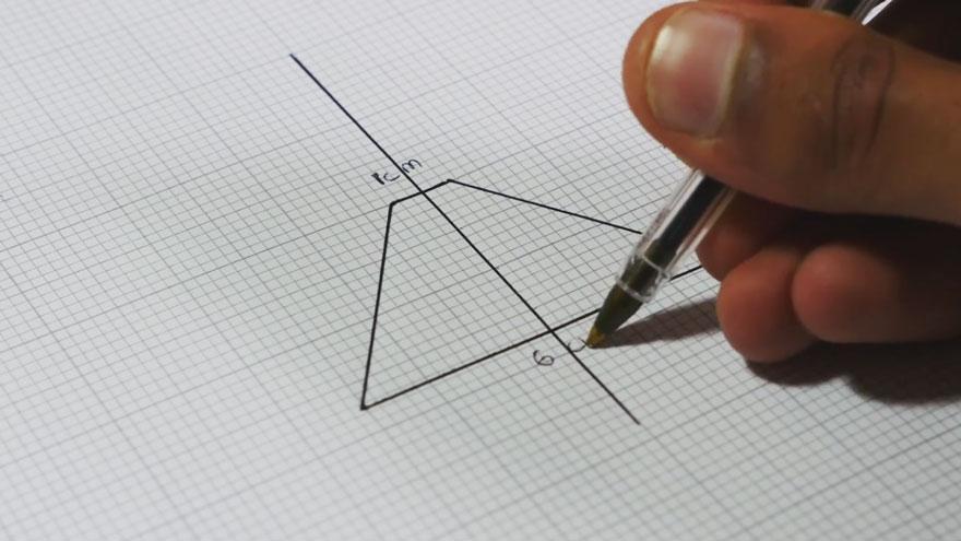 Голографическая картинка через телефон с помощью четырех треугольников