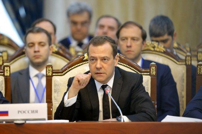 Медведев приструнил некоторые страны ЕАЭС за газ