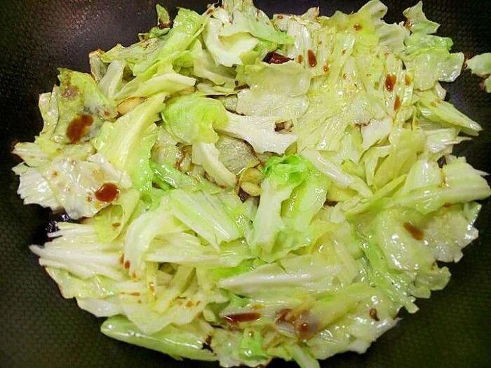 Новый рецепт приготовления капусты. Ни тушить, ни жарить не нужно. Еще проще готовить, минут, позволит, мелко, духовку, который, гарнир, вкусное, результате, добавить, нарезать, запекания, посуды, содержимое, обычной, специи, приготовится, растительное, Капусту, Посолить