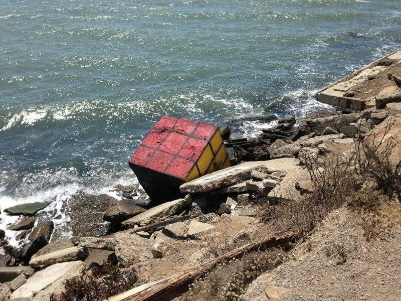 15. «Вымыло на берег гигантский кубик Рубика» в мире, вещи, интересно, находка, пляж, удивительно