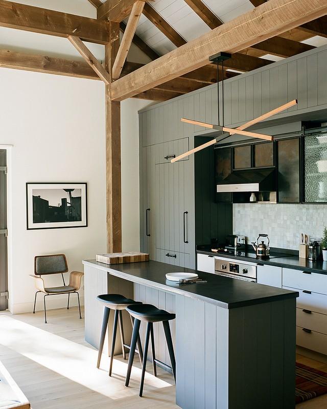 Эклектичный сельский дом дерево в интерьере,загородный дом,интерьер и дизайн
