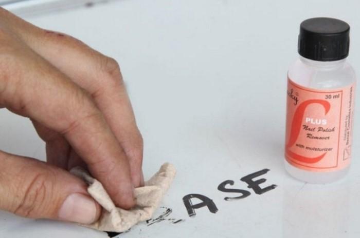 12 способов полезного применения жидкости для снятия лака в быту