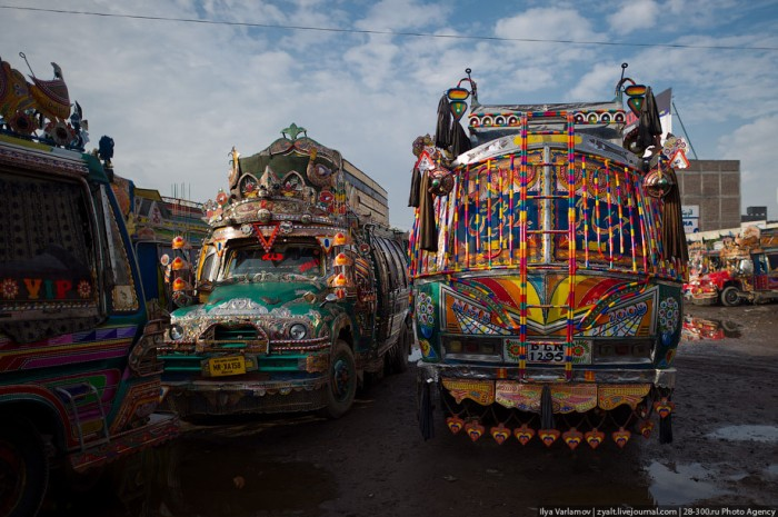 Пакистанские автобусы и грузовики