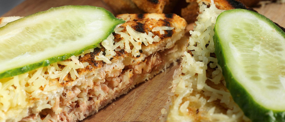 Школьное питание. Вкусные сэндвичи. Сэндвичи с тунцом и сыром