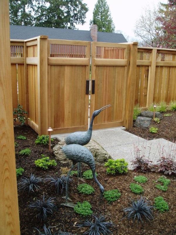 Красивый дизайн двора частного дома своими руками - садовый декор