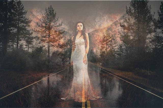 женщина-призрак
