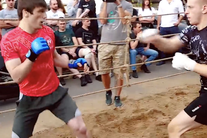 Мастер ушу вышел против двоих  ММА-бойцов культура