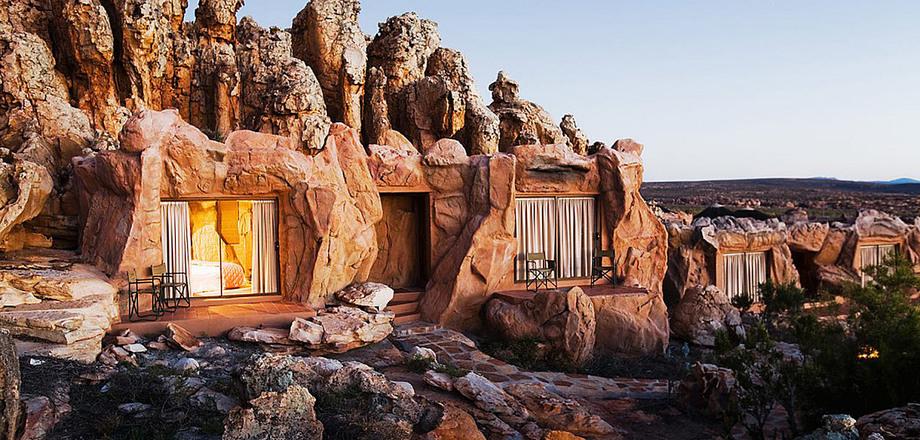 «Первобытный» отель в Африке…