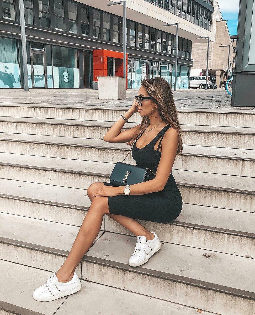 Платье-майка: 10 стильных образов для летнего вдохновения