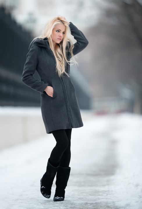 С какой обувью носить женские брюки зимой?