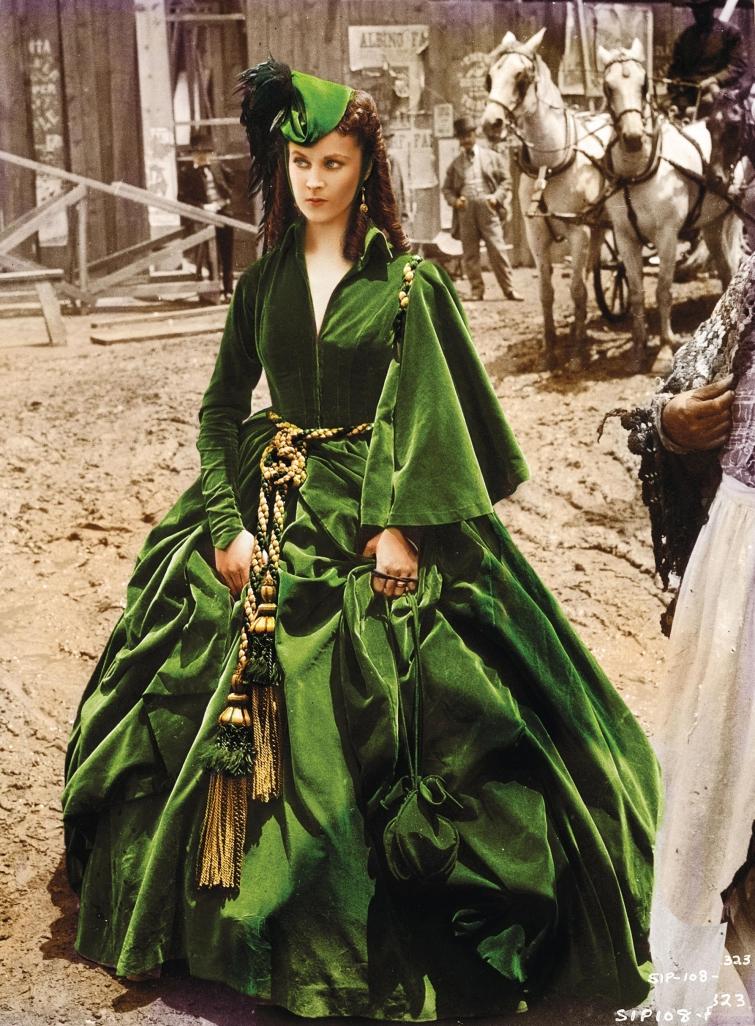 20 культовых платьев звезд, которые вошли в историю