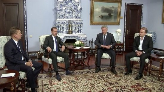 Премьер-министр России рассказал о желании Украины восстановить отношения с Москвой