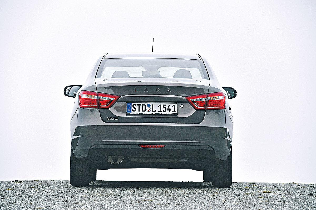 Немцы о Лада Веста: Краткий критичный обзор автомобили,автомобиль,Россия