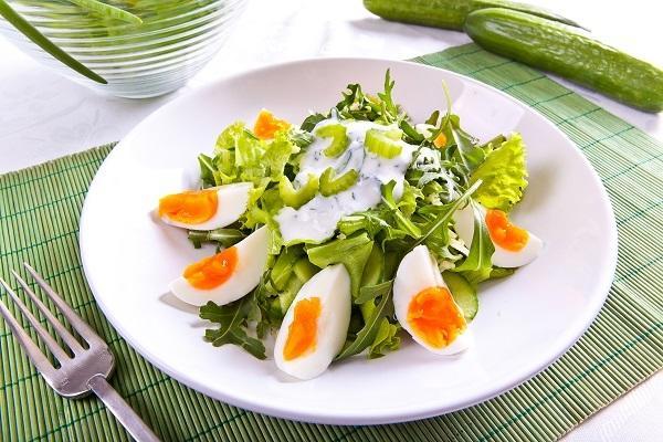 Рецепты летних салатов со свежей зеленью