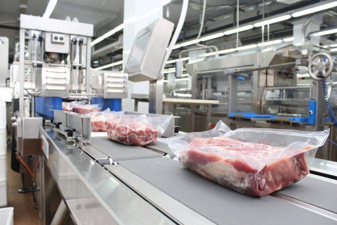 В Подмосковье запустили полностью роботизированное производство колбас