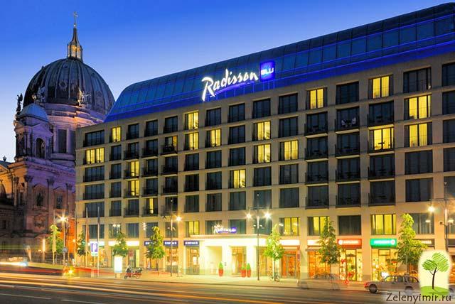 Самый огромный аквариум в мире — «Аквадом» в Берлине, Германия