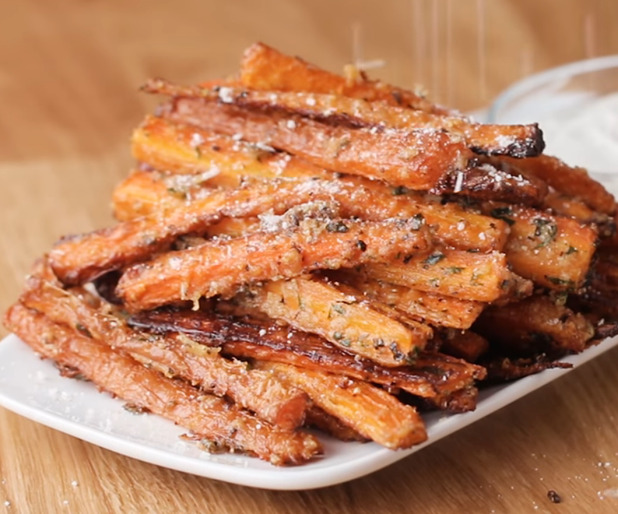 Морковка-фри с пармезаном