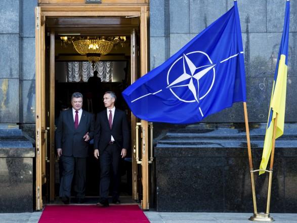 На Украине в разы усилят пропаганду НАТО, чтобы поправить его негативный имидж