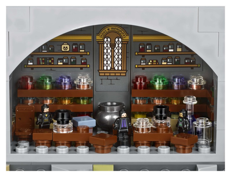 LEGO представил замок Хогвартс из 6000 дет
