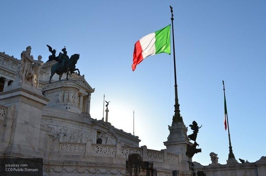 МВД Италии: Рим не станет принимать рейсы с мигрантами и закроет аэропорты