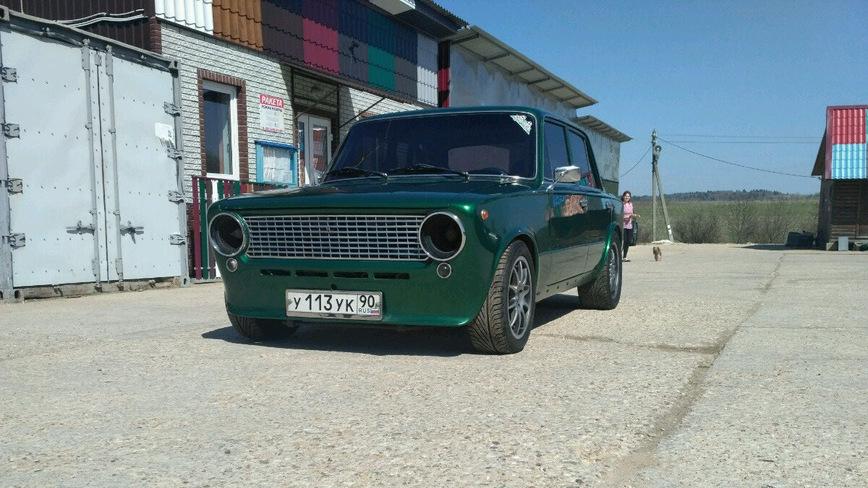 Этот ВАЗ-2101 с V12 от BMW может стать вашим за 400 тысяч рублей. Но нужен ли он вам? авто и мото,автоновости,тюнинг