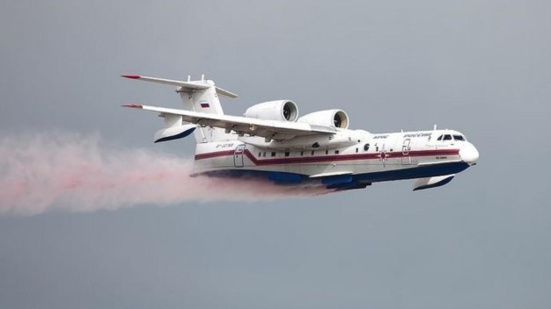 Два дополнительных самолета Бе-200 вылетели в Якутию для тушения пожаров Происшествия
