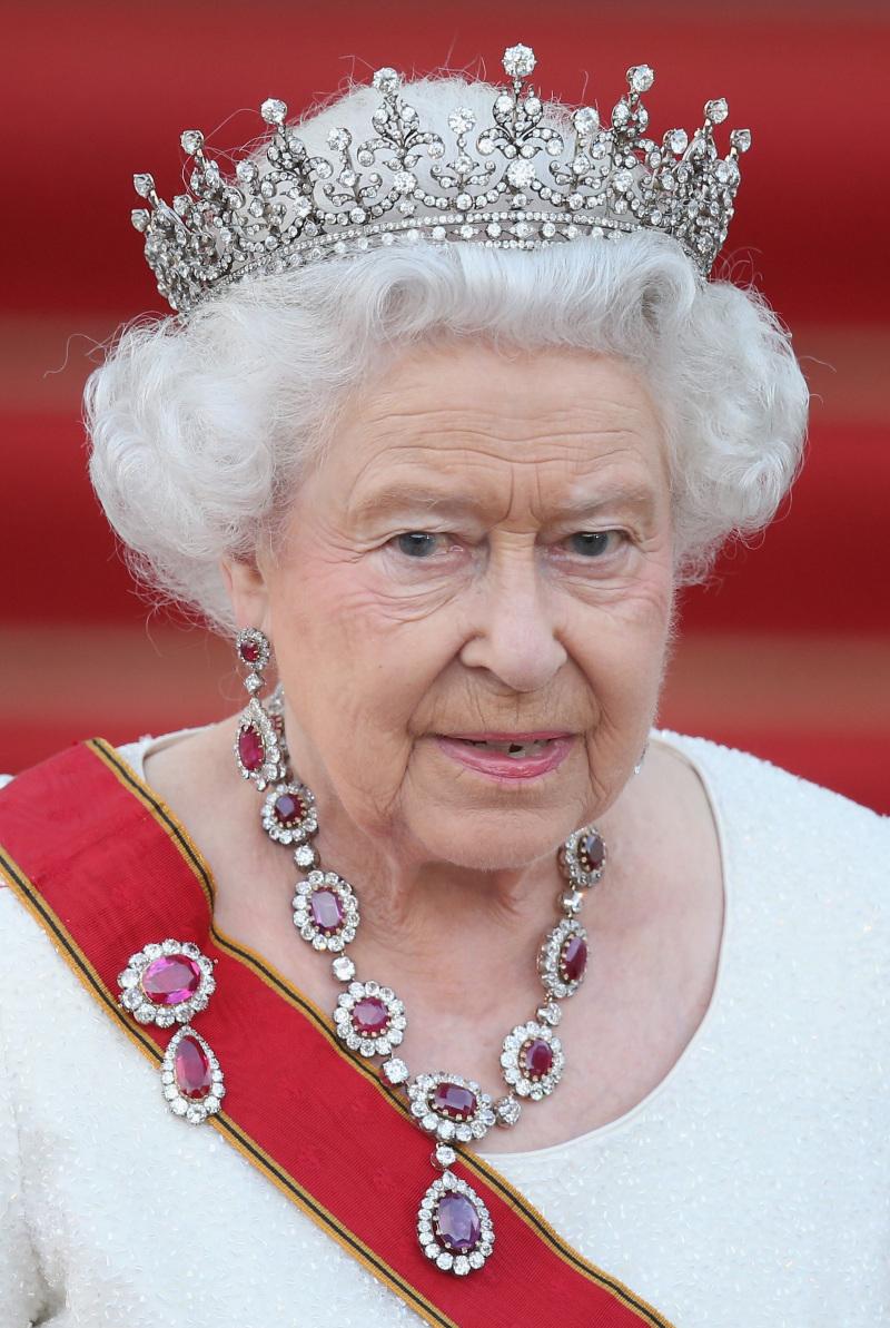 От трогательных уступок до безразличия и нелюбви: малоизвестные факты из жизни королевы Елизаветы и ее семьи