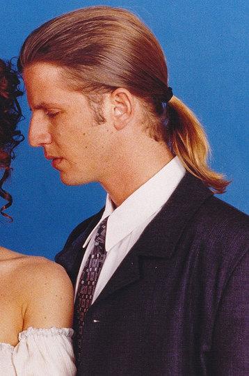 Мужчины мечты: секс-символы из сериалов 90-х тогда и сейчас