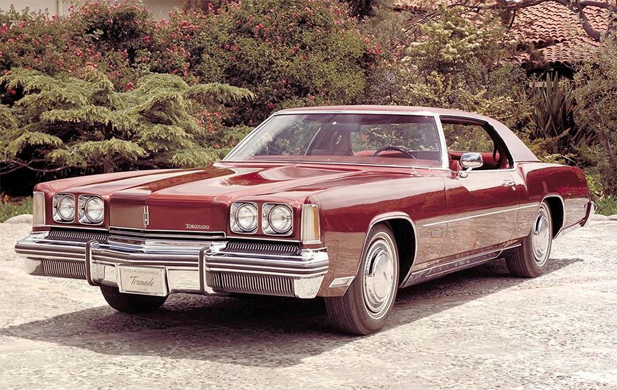 Oldsmobile Toronado. Один из первых авто с подушкой безопасности