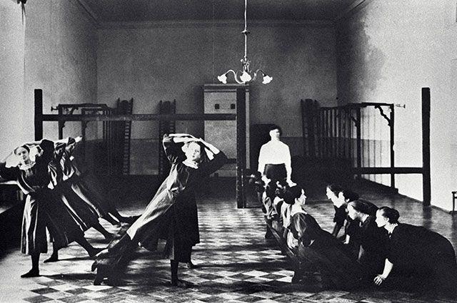 Гимназистки румяные. О чём мечтали в женских гимназиях 100 лет назад