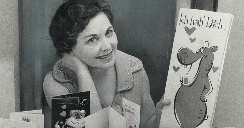 Чудесная история ко Дню святого Валентина: 60 лет женщина каждый год получала открытки от тайного поклонника