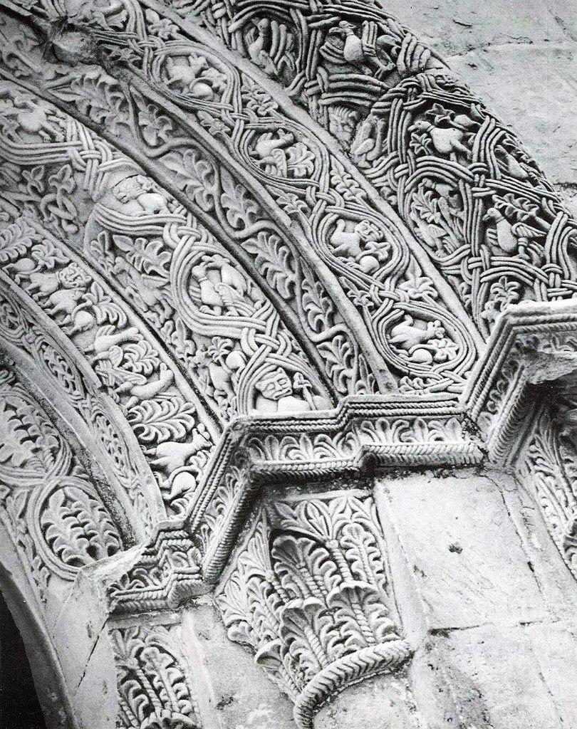 Белокаменная резьба ведических храмов Руси